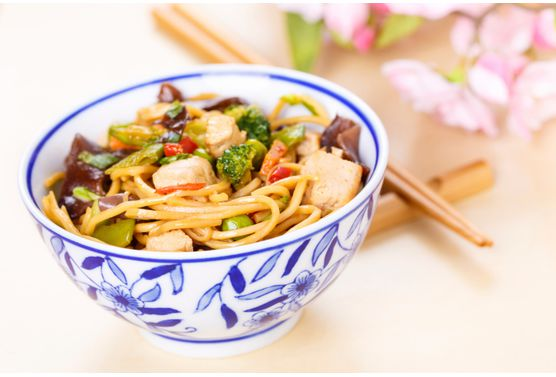 Salade-de-germes-de-soja-et-champignons_exact556x377