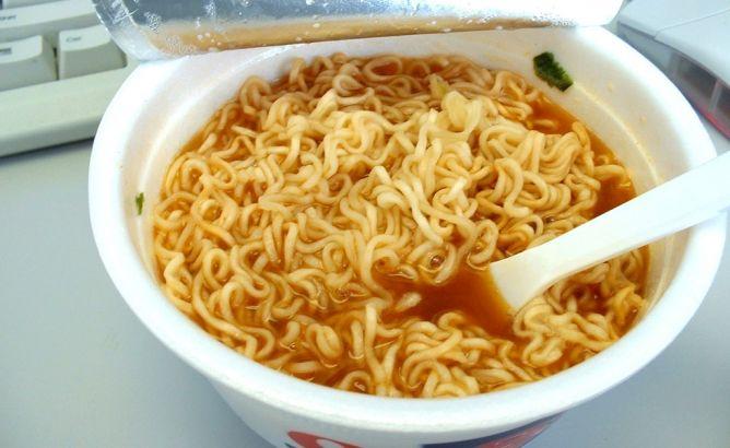 10 raisons de ne pas manger de nouilles instantanées!