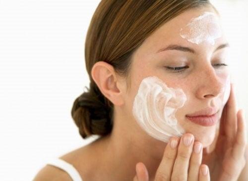 nettoyer votre peau du visage