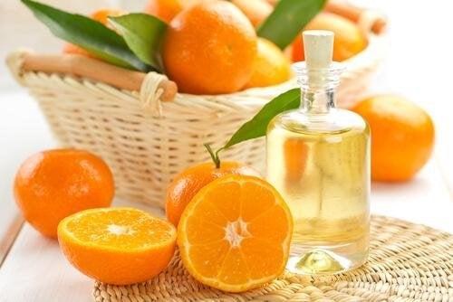 l'huile de mandarine pour protéger ses cheveux