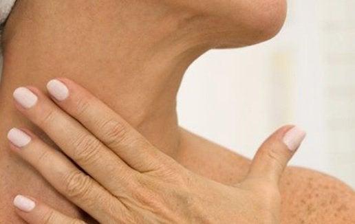 hydratez la peau de votre cou