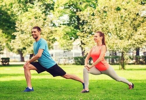 Faire du sport régulièrement pour l'exercice sexuel.